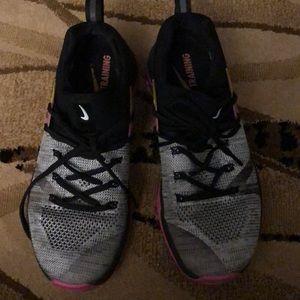 Metcon Nike size 9.5